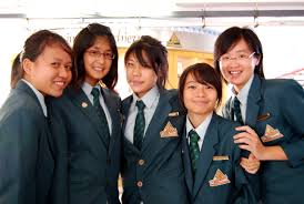 5 jc students having chinese tuition